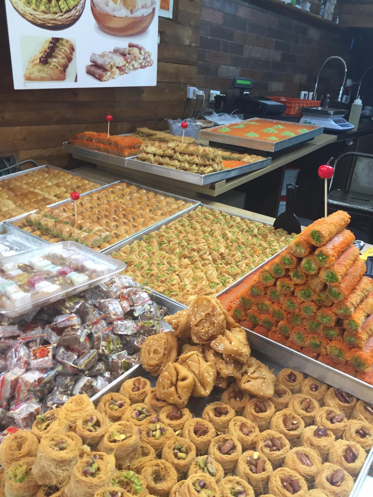 שוק האוכל-ממתקי השוק